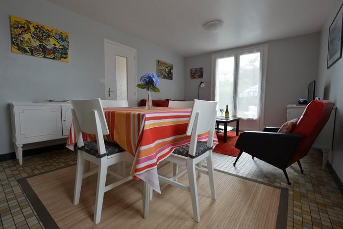 Gite en Bretagne : la table a manger